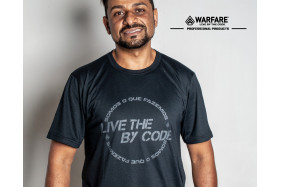 CAMISETA LIVE BY THE CODE